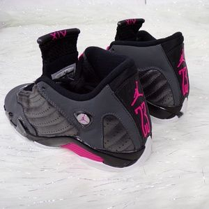 Nike Shoes - Nike Jordan Retro XIV